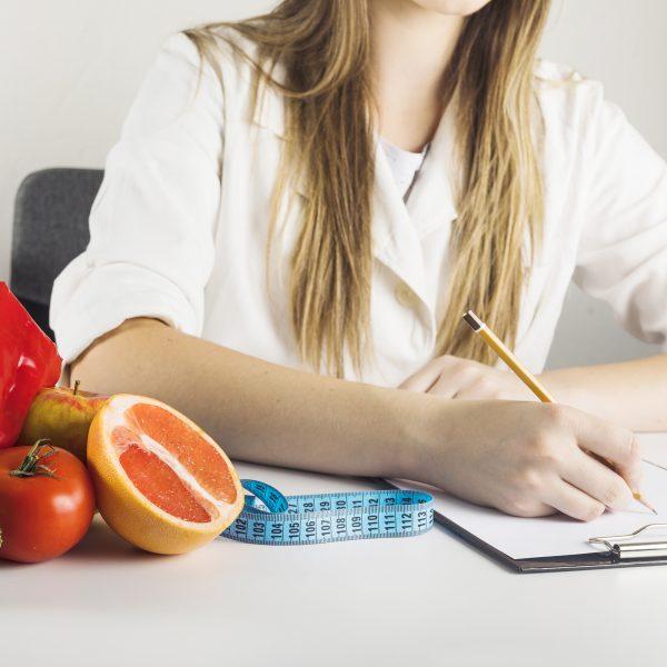 Data oraz godzina konsultacji dietetycznych jest ustalana po kontakcie z ośrodkiem. Wstępna konsultacja dietetyczna online Katarzyna Frąckiewicz